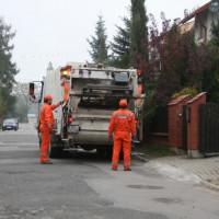 Zmiany w odbiorze śmieci: więcej worków i bez kontenerów na zieleń