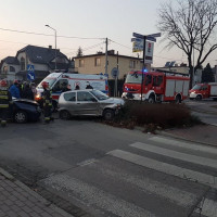 Kolizja na skrzyżowaniu ulicy Skłodowskiej z Dobrawy