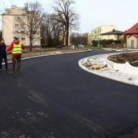 /thumbs/fit-200x200/2019-12::1577785502-budowa-ronda-przy-ulicach-cieszynska-sznelowiec-zdrojowa-0476.jpg