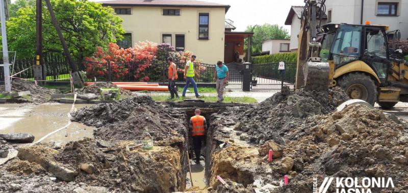 Przebudowa ul. Słonecznej: mieszkańcy odcięci od kanalizacji